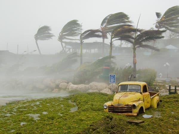 Een orkaan in de tropen
